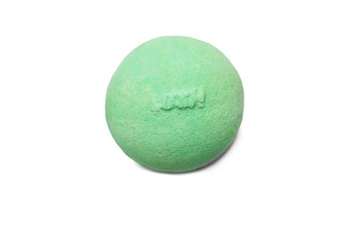 lush-avobath-bath-bomb