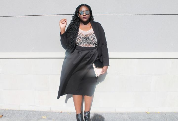 The black midi skirt is amust